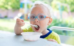 Gydytojas griauna mitus apie vaikų mitybą