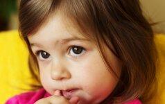 Vaikai mokosi stebėdami tėvus: 6 klaidos, kurias pastarieji daro to net nepastebėdami