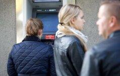 Moterį papiktino banko darbuotojos žodžiai
