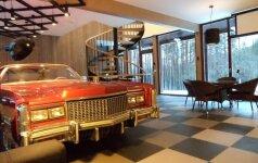 Необычный дом в Каунасе: деталь интерьера - автомобиль