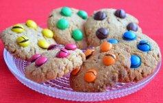 Avižiniai sausainiai su saldainiukais mamos receptas