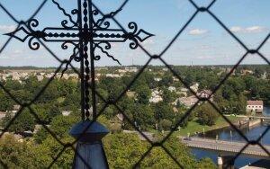 Šv. Mato evangelisto bažnyčia. Šiaurinės miesto dalies panoraminis vaizdas nuo apžvalgos aikštelės. Anykščių TIC nuotr.