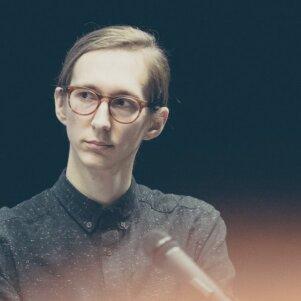 """Knygos apie feminizmą autorius D. Paulauskas: """"Daugumą merginų Lietuvoje liečia lyčių lygybės problemos arba, deja, palies ateityje"""""""