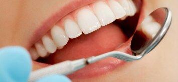 Pavojus burnos skalavimo skystyje: kaip naudoti teisingai