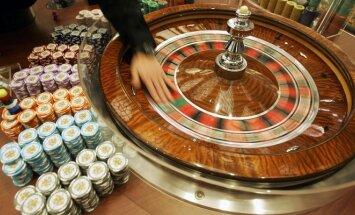 Papasakojo apie darbą kazino: spjaudymas ir stumdymas dar ne blogiausia