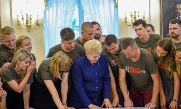 """Prezidentė susitiko su """"Misija Sibiras'18"""" komanda"""