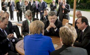Vladimiras Putinas, Petro Porošenka, Angela Merkel, Francois Hollande'as