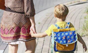Pasipiktinusios mamos laiškas: kodėl Darbo kodekse diskriminuojami vienturčiai vaikai?