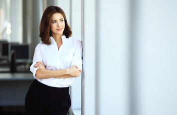 5 būdai, padėsiantys tapti labiau nepriklausoma ir savimi pasitikinčia moterimi