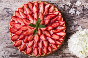 10 skaniausių nekeptų ir keptų pyragų Motinos dienai