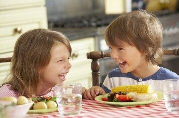 9 paslaptys, padėsiančios vaikus pripratinti prie įvairesnio maisto