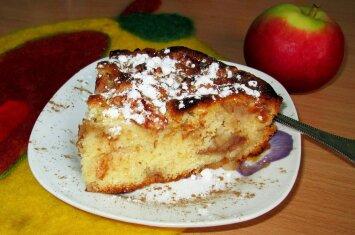 Skanus ir akimirksniu pagaminamas obuolių pyragas