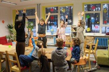 Mokykla Vilniuje, kurioje viskas kitaip: pamokos neprivalomos, tačiau iš jų niekas nebėga