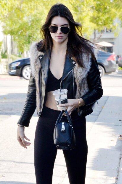 """Kendall Jenner išvaizda: šį kartą manekenė <span style=""""color: #ff0000;"""">persistengė?</span> (FOTO)"""
