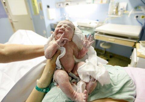 Lietuvės atvirai: tartis su gydytoju iš anksto dėl gimdymo ar nebūtinai