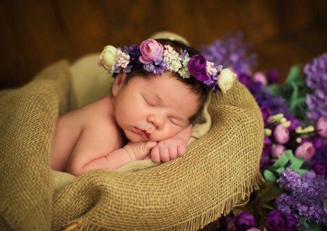 Kūdikio kraitelis: ką tikrai būtina įsigyti prieš gimstant kūdikiui