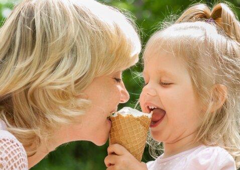 7 klausimai mitybos specialistei apie ledus ir firminis naminių ledų receptas
