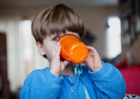 Vasarą vaikams labiausiai tinka gerti šie gėrimai
