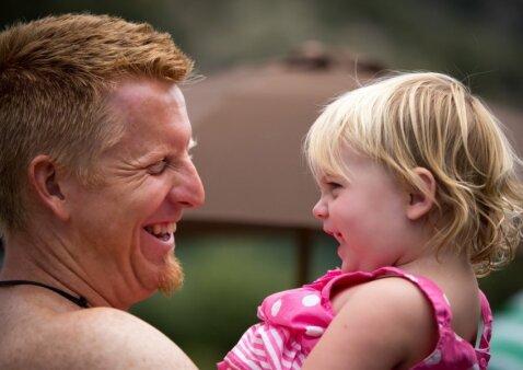 Kuo gali būti naudinga vyrams vėlyva tėvystė?