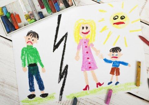 Kas nutinka, jei po skyrybų tėvai vaiko labui draugauja, pietauja, kartu atostogauja