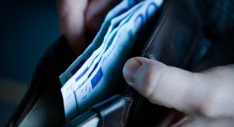 Įvardinti mokytojų atlyginimai susilaukė dėmesio: o kiek uždirbi tu?