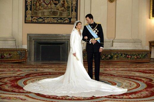 Letizia vestuvių su tuometiniu Ispanijios princu Felipe'u dieną