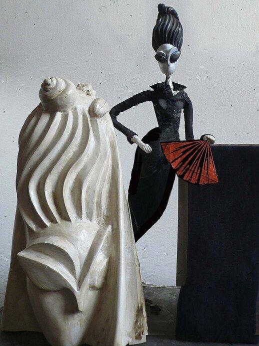 Juodoji Paryžiaus dama – 4 santuokas ir skyrybas išgyvenusi populiarioji mados tinklaraštininkė