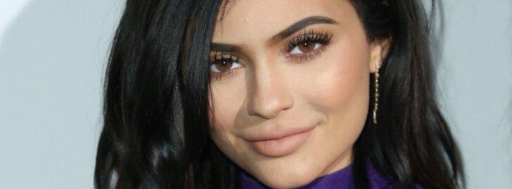 Kylie Jenner atskleidė ją traumavusį įvykį, po kurio ji pasididino lūpas