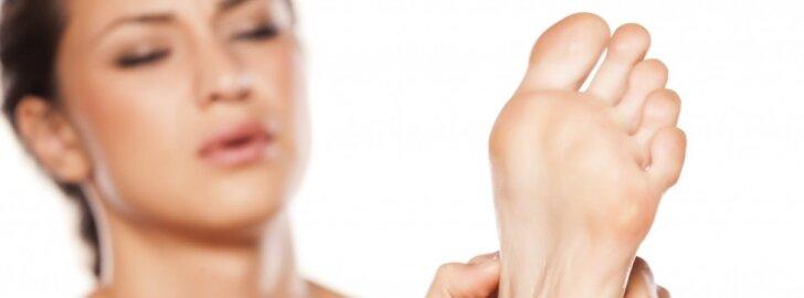 3 efektyvūs būdai atnaujinti sudiržusią pėdų odą