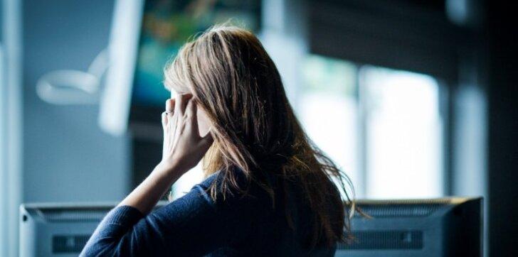 Emocinį smurtą patiriame ne tik mokykloje, bet ir darbe: kaip elgtis?
