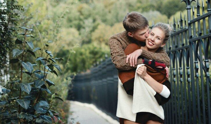 """Gyvybę išgelbėjusi <span style=""""color: #ff0000;"""">meilės istorija</span> sužavėjo Lietuvą (FOTO)"""