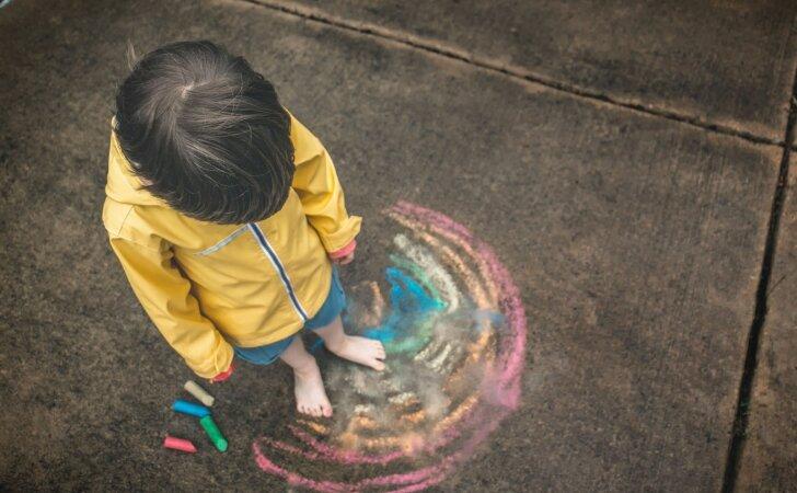 Šiuolaikinių tėvų klaida, dėl kurios užaugę vaikai nemoka kurti savo šeimų