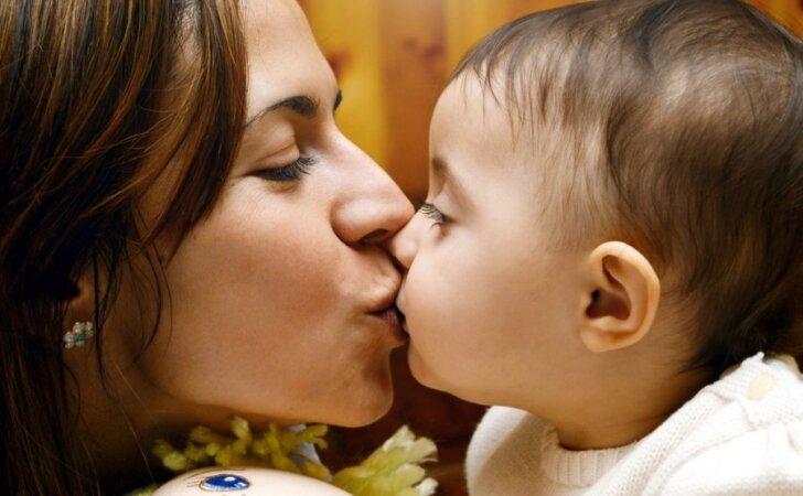 Jei motinystė būtų profesija, mamos darbo sutartis atrodytų TAIP