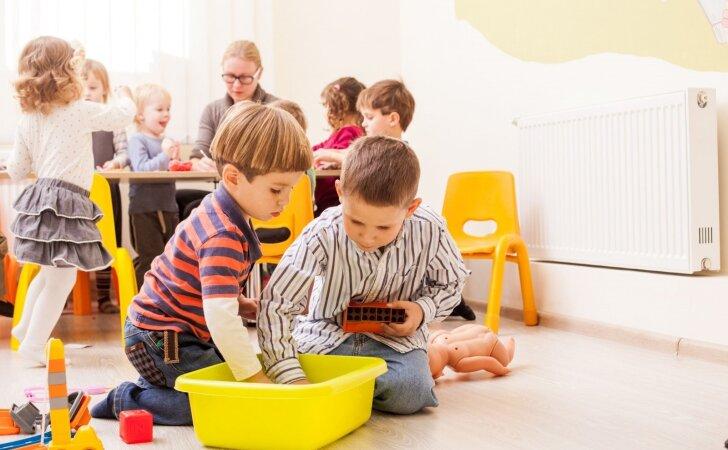 Mažų vaikų pojūčių ugdymas: pataria pedagogė