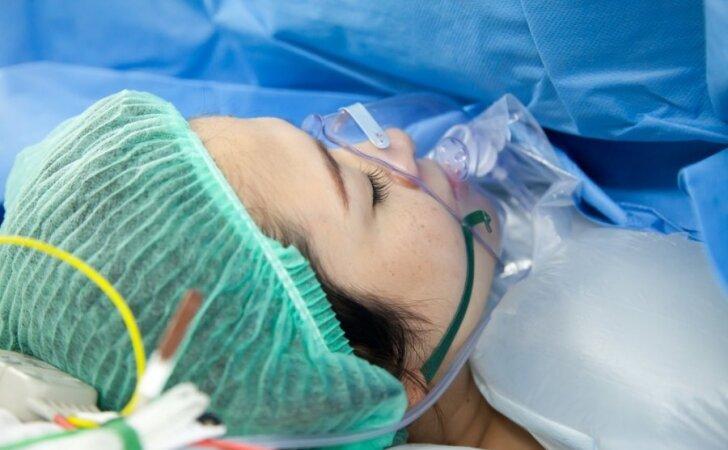 """Mano gimdymas baigėsi operacija <sup style=""""color: #ff0000;"""">(skaitytojos istorija)</sup>"""
