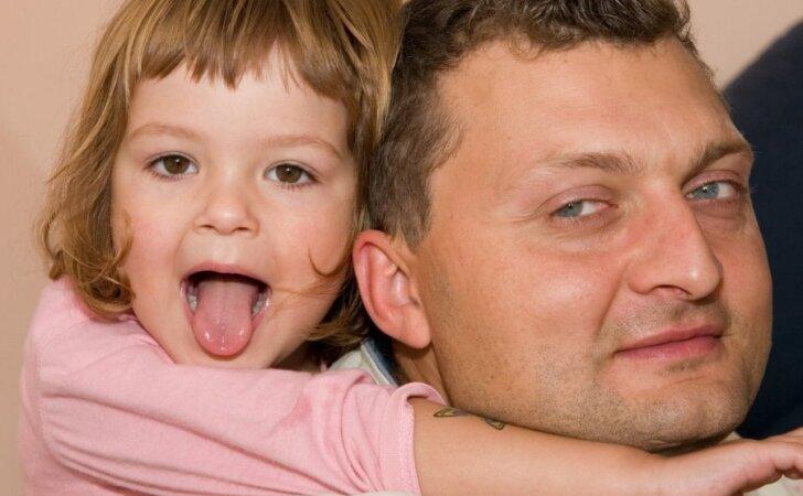 """Ar turintys vaikų yra laimingesni? <span style=""""color: #ff0000;""""><sup>Tyrimo rezultatai nustebino</sup></span>"""