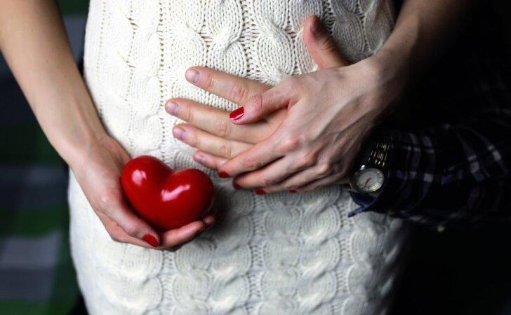 30 nėštumo savaitė: kaip pasiklausyti savo kūdikio širdies dūžių be specialios aparatūros?