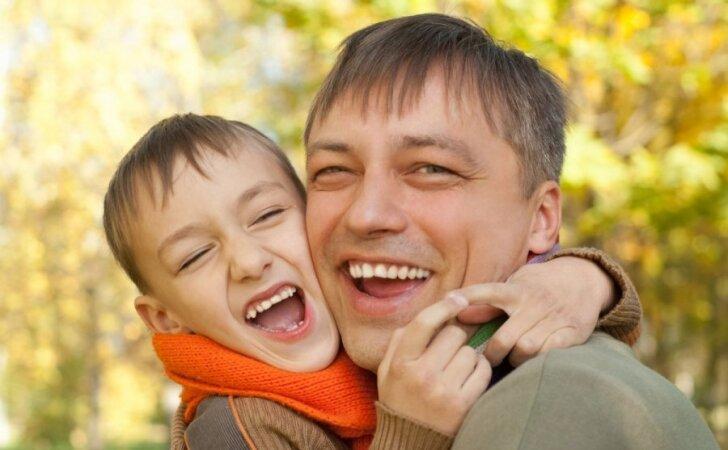 10 auksinių patarimų užsiėmusiems tėčiams