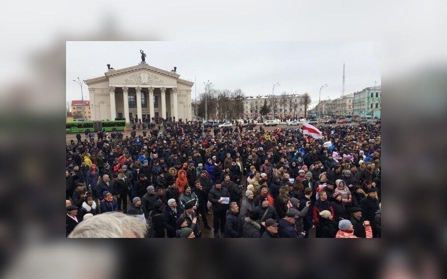 В Беларуси прошли массовые митинги против налога на тунеядство