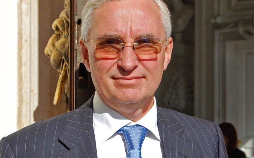 Юргенс покинул президентский совет из-за квазидемократии