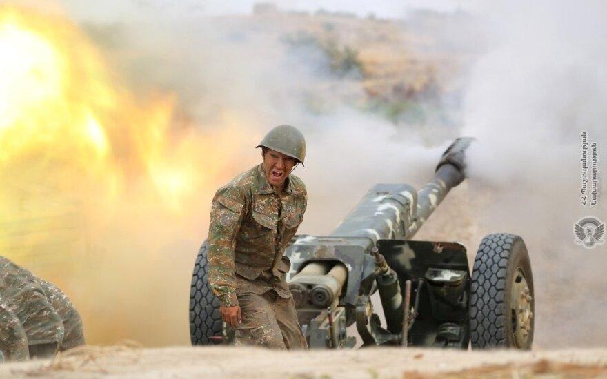 Война в Карабахе, день четвертый: споры о турецких истребителях и сирийских наемниках