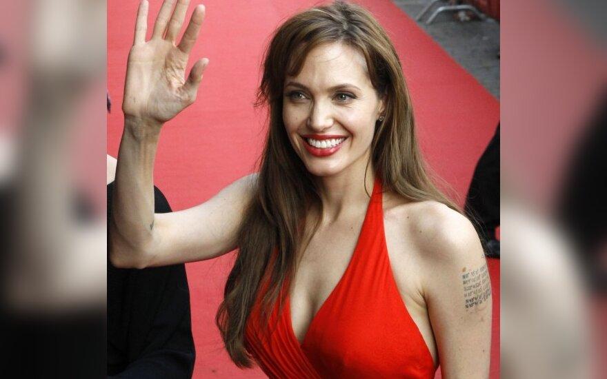 Джоли вызвала небывалый ажиотаж в Москве