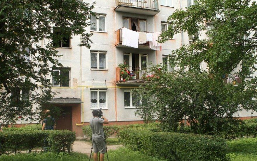 Namas kuriame rasta dingusi mergaitė