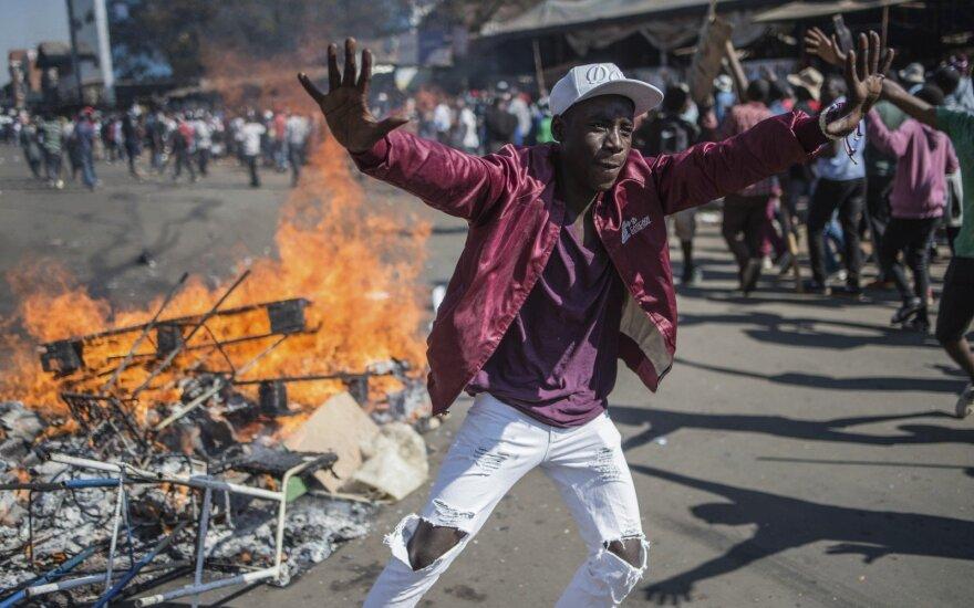 В Зимбабве - первые выборы без Мугабе, в столице стрельба