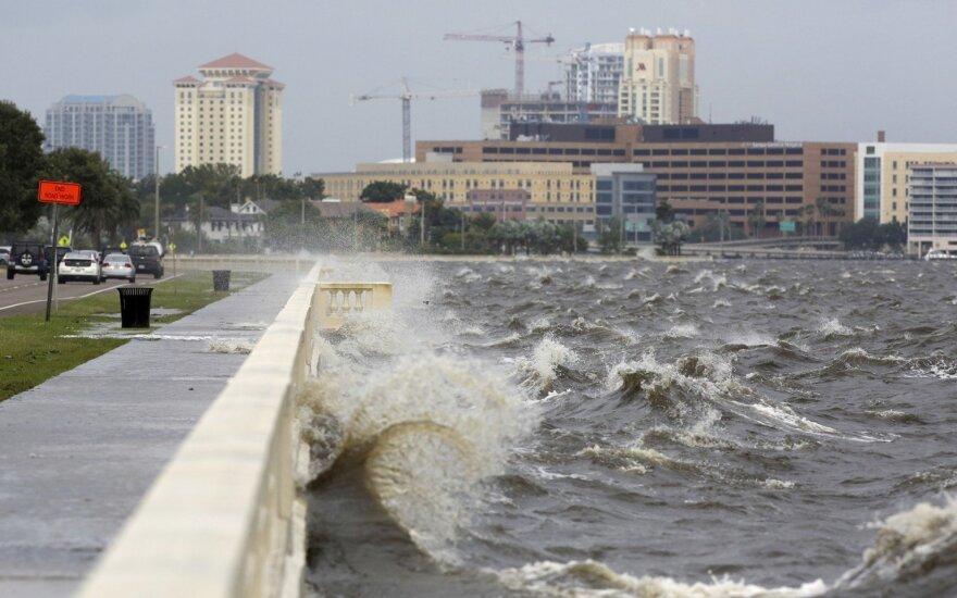 """Ураган """"Майкл"""" обрушился на Флориду"""