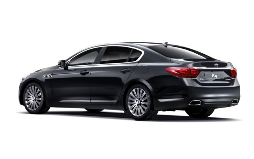 "Новый флагманский седан Kia K9 напоминает ""семерку"" BMW"
