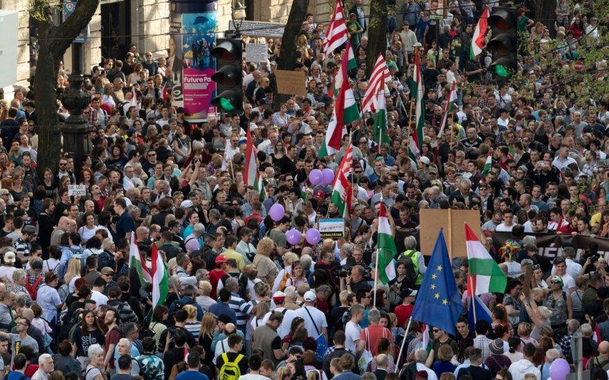 Десятки тысяч венгров протестовали против результатов выборов