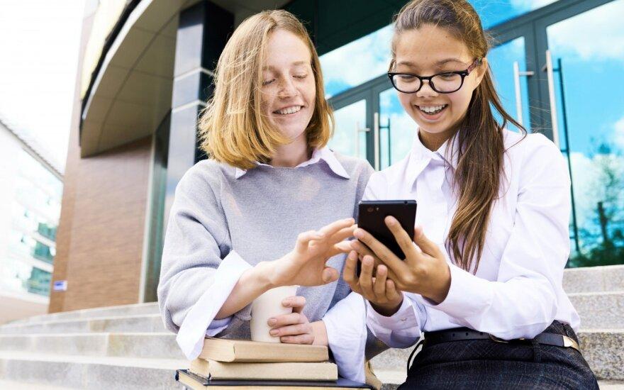 В Литве вводится культурный паспорт для школьников