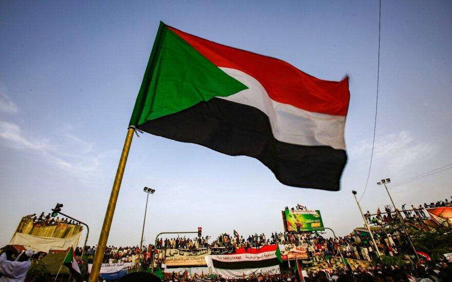 Экс-президент Судана получил два года заключения за коррупцию