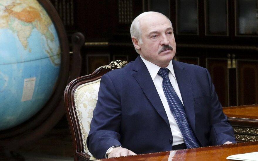 """""""Да, я дал сигнал с Тихановским. Я что-то не так делал?"""" Лукашенко — о выборах и соперниках"""